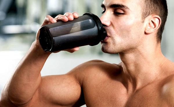 Como-beber-suplementos-antes-e-depois-do-treino